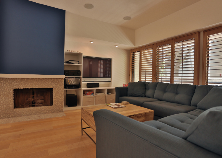 Santa Monica Family Room by MbFi