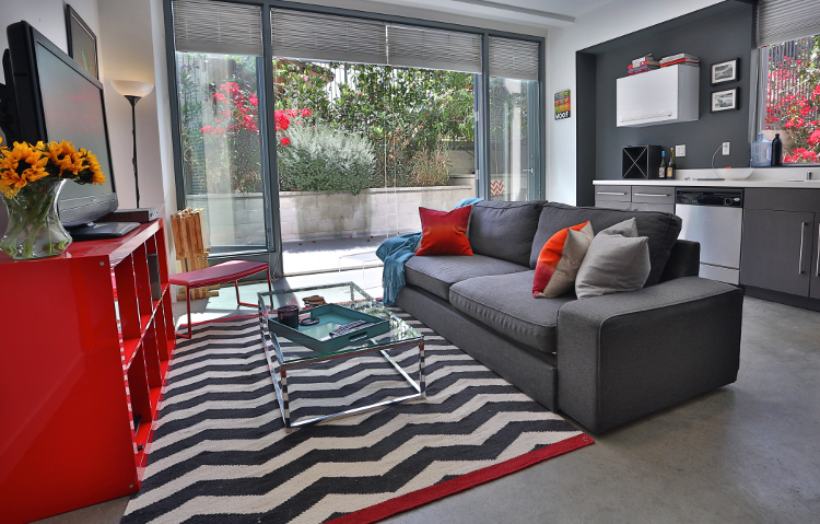 Los Angeles Studio Apartment by MbFi